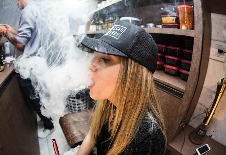 Líquido de cigarrillo electrónico con nicotina: cómo usarlo si quieres dejar de fumar