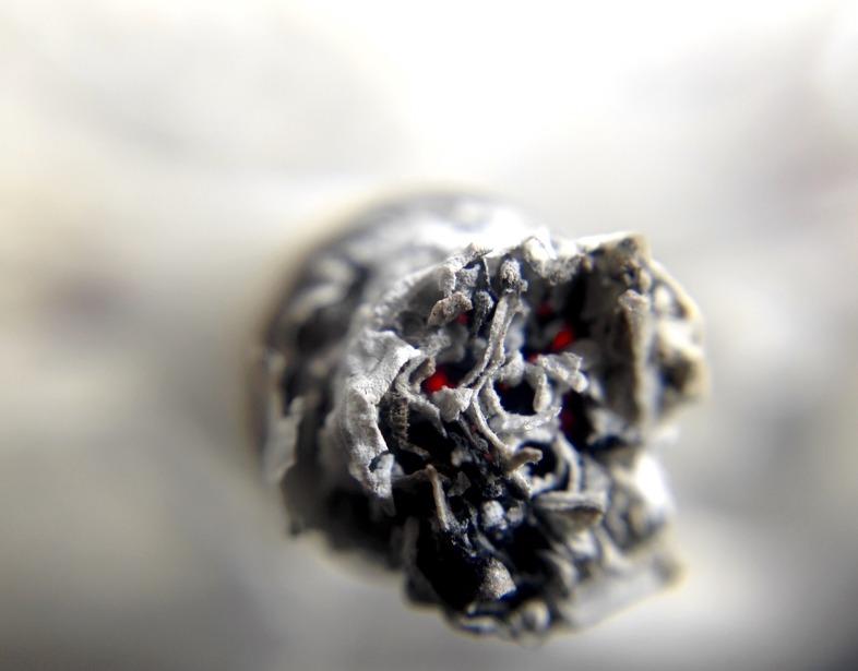 Deje de fumar gradualmente cambiando al cigarrillo electrónico sin nicotina