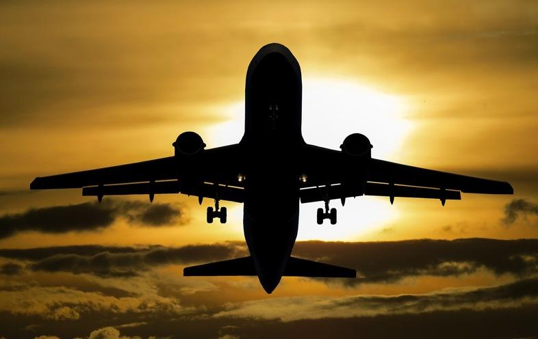 Transporte del cigarrillo electrónico en avión: debe seguir las diversas reglas de las aerolíneas