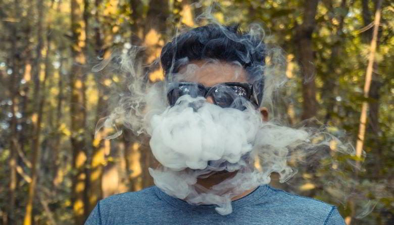Cigarrillo electrónico sin nicotina y menores.