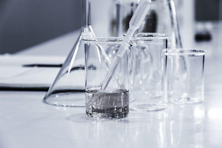 Prepara la base del e-líquido