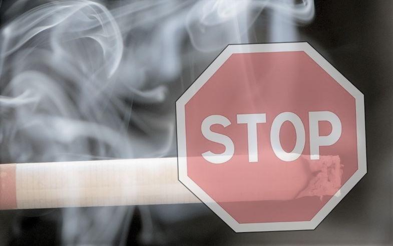 ¿Puedes vapear en lugares públicos? Leyes sobre fumar.