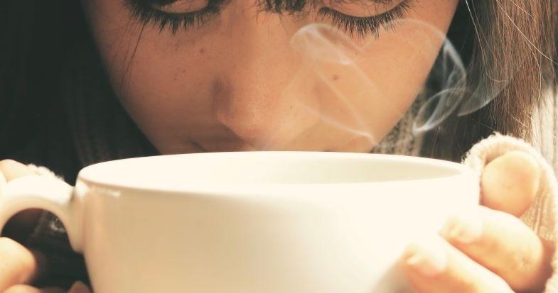 Café líquido para cigarrillos electrónicos que recuerda los aromas de una taza.